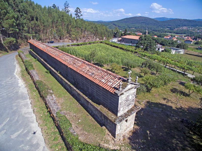 http://www.arousa-norte.es/wp-content/uploads/2016/03/horreo-arano.jpg