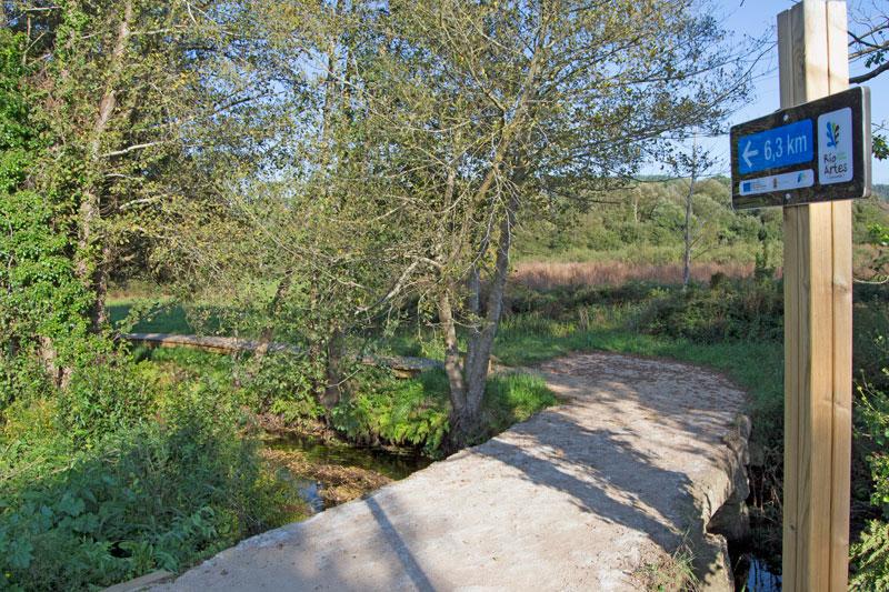 Foto del paseo fluvial del Río Arlés