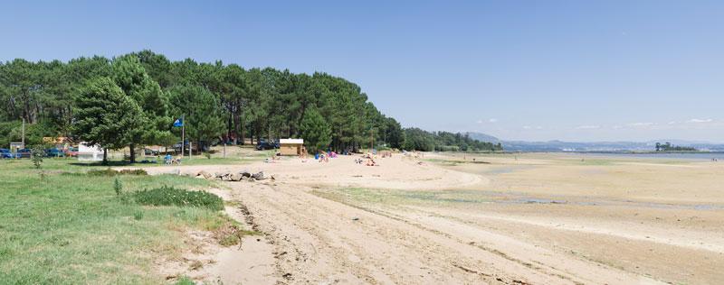 Foto de la playa de Mañóns en Boiro